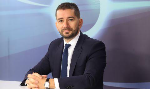 Слави Василев: Неизвестната в уравнението на властта е в ръцете на Петков и Василев - 1