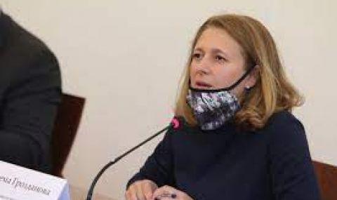 Джема Грозданова: Следващият премиер първо трябва да иде в Скопие