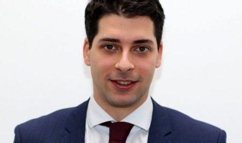 Вицепремиерът Атанас Пеканов: Искам страната ни да се развива добре