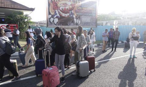 Силен трус в Индонезия