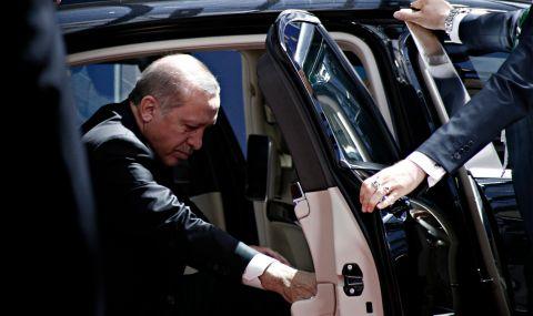 Калашници за верни на Ердоган: нови разкрития на мафиотския бос Пекер