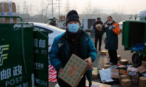 Узбекистан изпраща маски и ръкавици на Китай