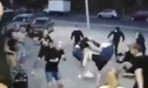 Бой между фенове в Русия стресна цяла Европа (ВИДЕО)