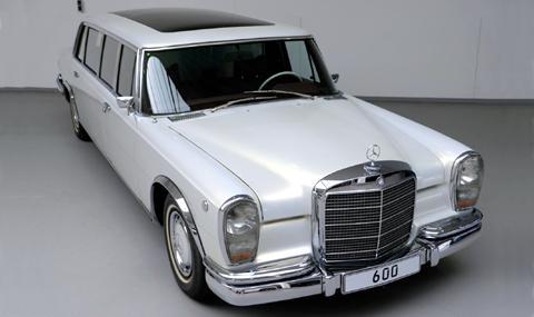Продава се Pullman, осъвременен от Mercedes-Benz Classic