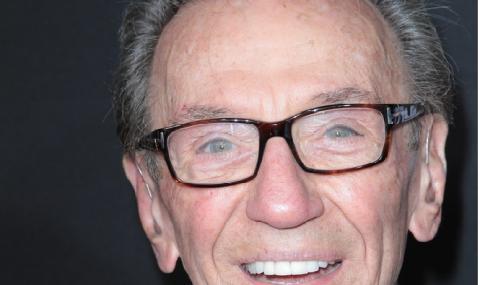 Почина обичан американски комик
