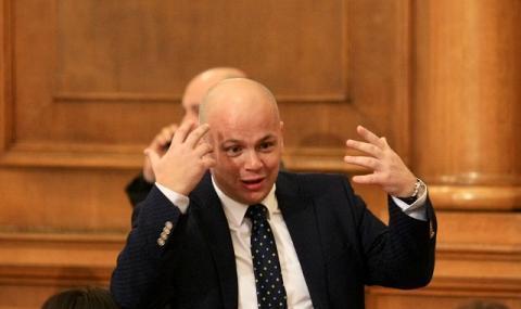 Александър Симов: НС на БСП не е Камара на лордовете