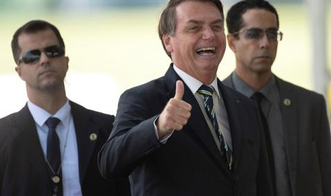 """Жаир Болсонаро: Бразилия не може да спре заради """"някакъв си грип"""""""