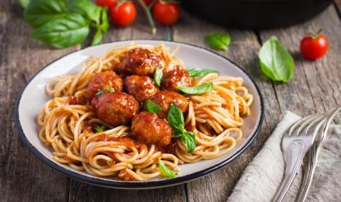 Рецепта на деня: Италиански кюфтенца със спагети