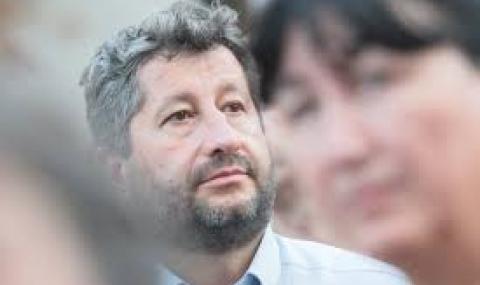 Христо Иванов: Борисов анонсира оттеглянето си