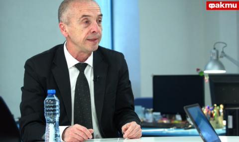 Доц. Мангъров пред ФАКТИ: Много е вероятно коронавирусът да изчезне