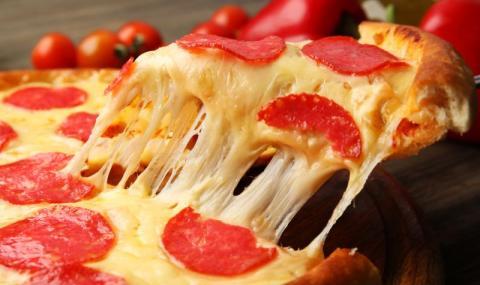 Рецепта на деня: Бърза пица от стар хляб