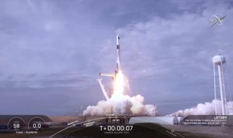 НАСА и SpaceX подготвят историческа мисия
