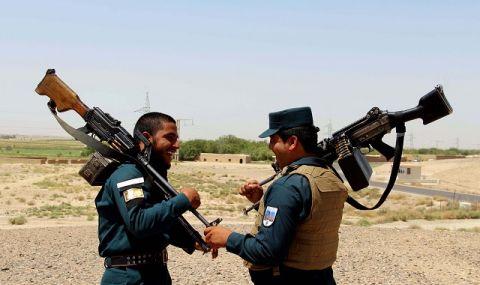 Афганистанци, работещи за НАТО, искат евакуация в друга държава