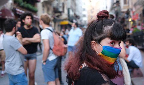 Гняв и призиви за протести след оттеглянето на Турция от Истанбулската конвенция
