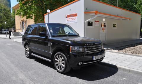Бареков дари личния си автомобил на лаборатория - 2