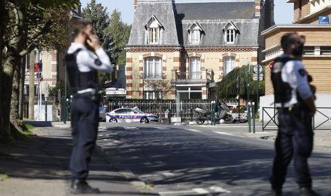 Жертва и шестима ранени, след като кола се вряза в заведение в Париж (ВИДЕО) - 1