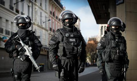 Европол закопча трима български граждани