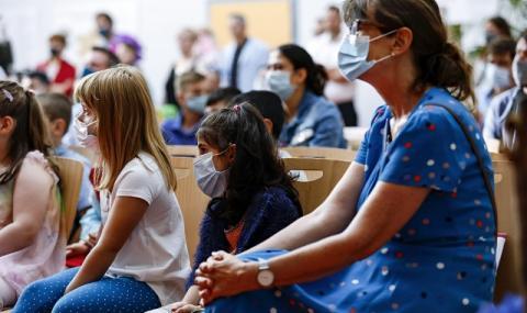 В Германия отварят врати първите училища на фона на пандемията