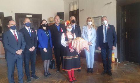 Валери Симеонов и унгарският държавен секретар посетиха Копривщица