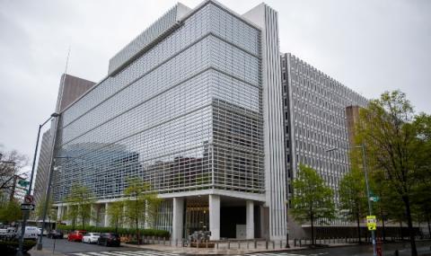 МВФ покри дълга на 25 страни