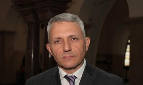 Хаджигенов: Ужасяваща кретения и полицейщина. Само съдът ни крепи (ВИДЕО)