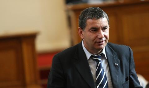 Димитър Байрактаров за ФАКТИ: Субсидиите отиват във фирми на партийни босове