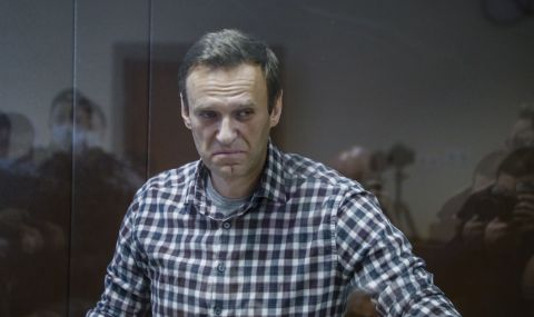 Лекарите на Навални го призоваха незабавно да прекрати гладната стачка