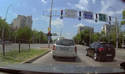 Пловдивчанин с дузина нарушения на пътя за минута (ВИДЕО)