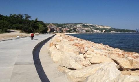Крайбрежната алея в Балчик ще бъде изцяло обновена