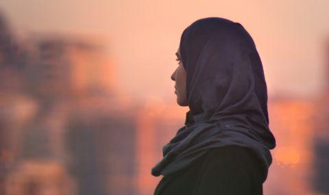 Афганистанките ще могат да учат, но с хиджаб и отделени от мъжете - 1