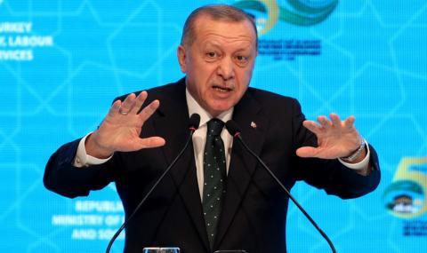 Турция отрича да е изпращала войници в Либия