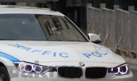 Посред бял ден: Шофьор с над 3 промила катастрофира в центъра на Плевен