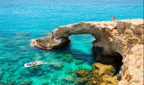 ЕК отпусна на Кипър авансово 157 млн. евро  - 1