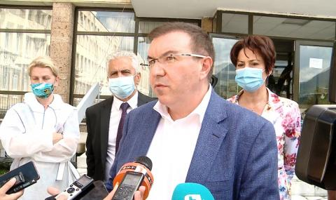 Здравният министър: Най-тежък е проблемът с персонала в болниците
