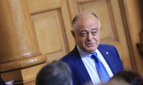 """""""Демократична България"""" иска парламентът да заседава извънредно утре - 1"""