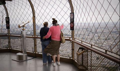 Айфеловата кула отново отвори