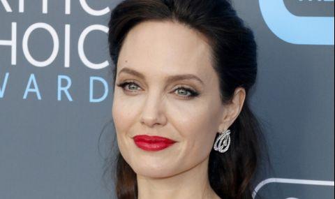 Анджелина Джоли с откровена изповед за майчинството (СНИМКИ+ВИДЕО)
