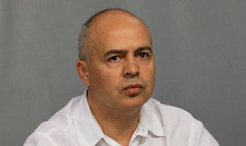 Свиленски: Снегът блокира България, а Борисов се радва от Брюксел