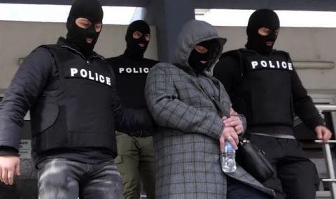 Четирима българи получиха доживотни присъди в Гърция