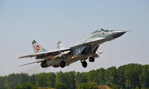 Красимир Каракачанов: Русия бави ремонта на изтребителите МиГ-29