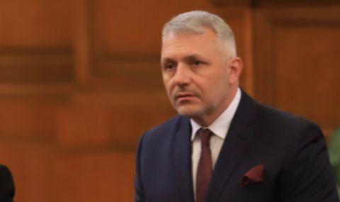 Николай Хаджигенов: Изправи се! ГЕРБ, вън!