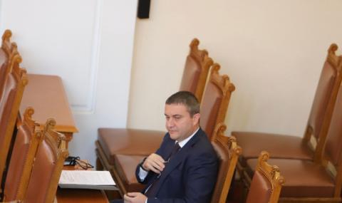 """Горанов призна: Няколко хазартни оператори са """"третирани благоприятно"""""""