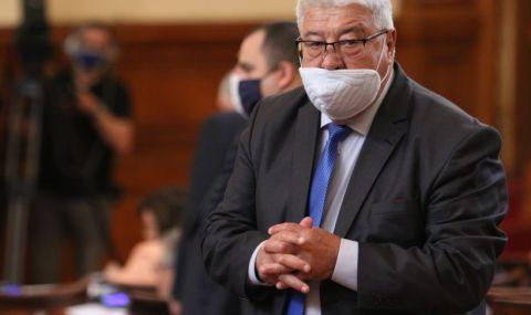Скандал в парламента. Гърневски към депутат от БСП: Дебил