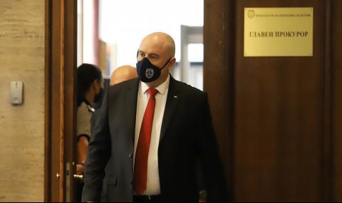 Спецпрокурорите: Радев погази клетвата си с искането за оставка на Гешев