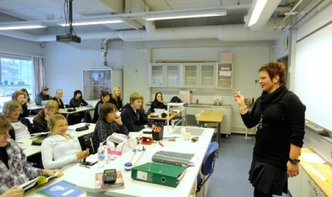 Финландия връща учениците в клас