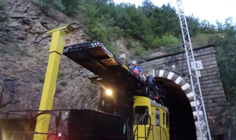 Авария блокира движението на влакове между Кресна и Симитли
