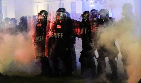 Губернаторът на Уисконсин обяви извънредно положение