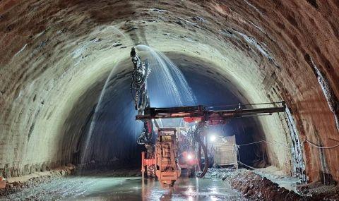 """Петя Аврамова: Очаква се до април да пробият тунел """"Железница"""" на АМ """"Струма"""""""