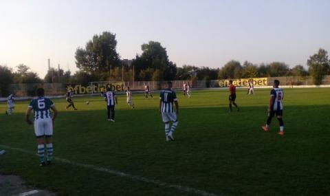 Куриоз в българския футбол: Съдия се разсърди и си тръгна