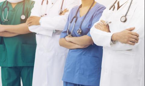 Лекарите: Раздадоха по обиден начин парите за медиците от първа линия